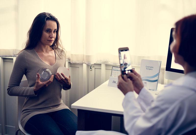 marirea-sanilor-cu-implant