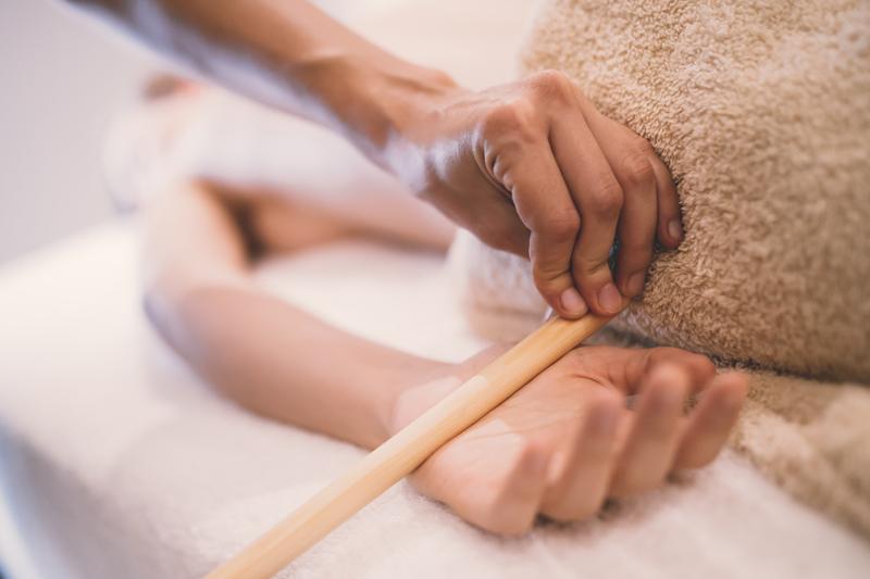 terapie cu bete de bambus pentru masaj